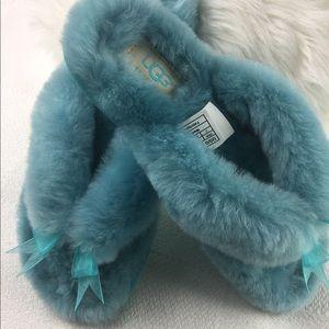 NWOT UGG Turquoise Blue slippers flip flops SZ 7